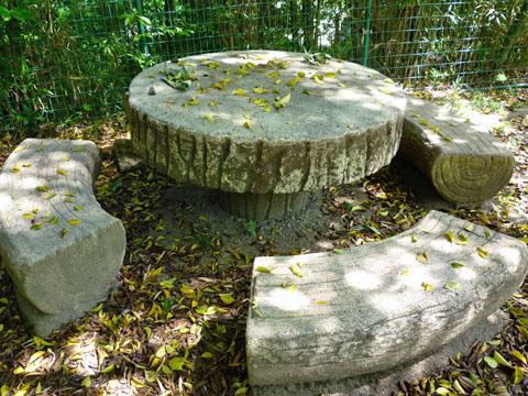 瞑想のベンチ
