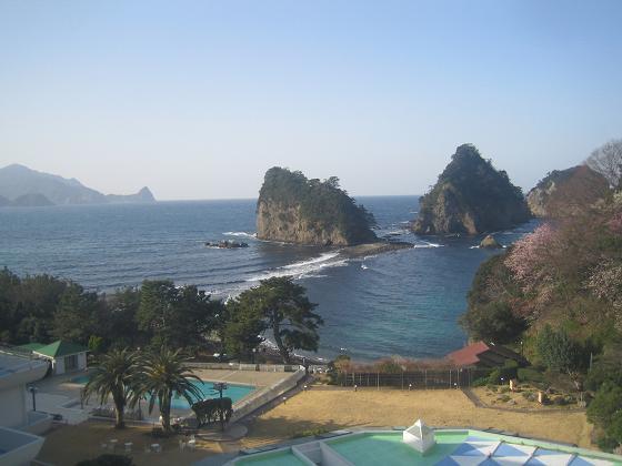 堂ヶ島、三四郎岩のトンボロ現象