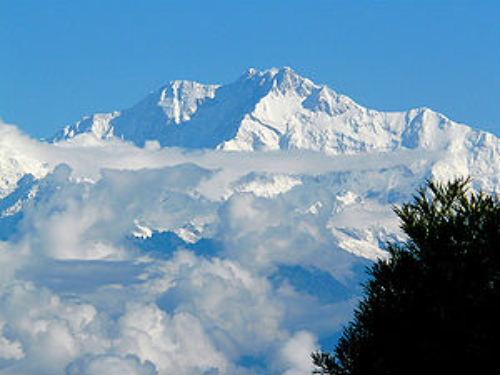 Kanchanjanga_peak_of_the_Himalayas_from_Darjeeling.jpg