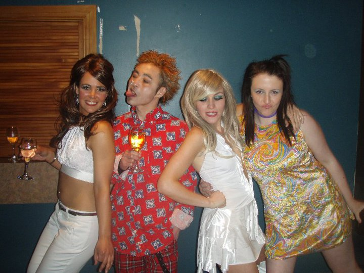 Johnny Rotten and his ladies!