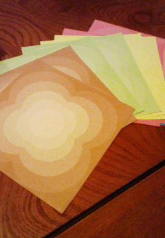 レトロな感じの折り紙