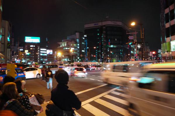 浅草橋交差点 18:47