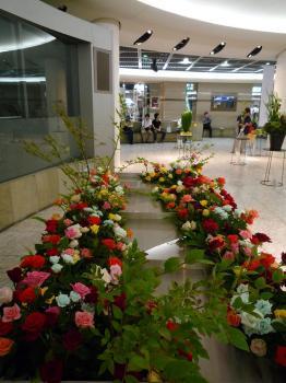 2009国境のない花達展 065s