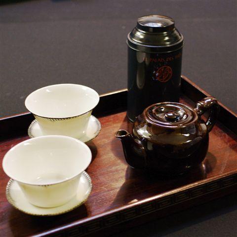 IMGP6265オキュパイド茶壷