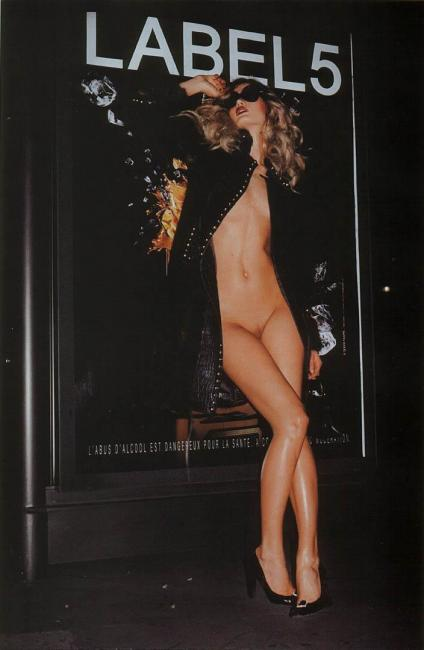 Michelle Buswell - naked in a Matthias Vriens photoshoot