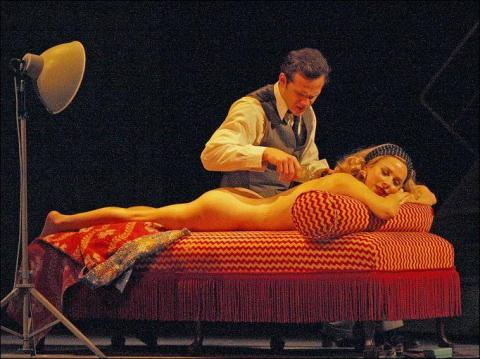 Anna Friel naked on stage for Breakfast at Tiffany v03