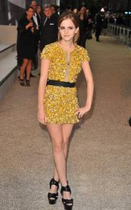 Emma Watson @ Burberry Prorsum SS 2010 Show in London b01