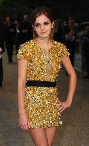 Emma Watson @ Burberry Prorsum SS 2010 Show in London a07