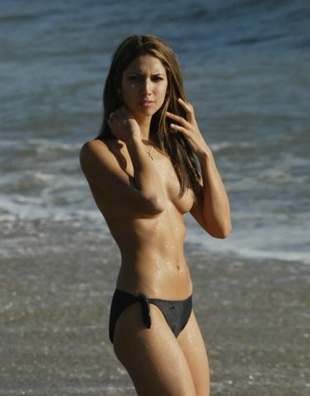 Leilani Dowding topless2