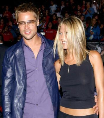 Jennifer Aniston - see-thru @ Rock Star Premiere 1