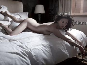 Catherine Zeta Jones naked - Allure mag 05-2010 a