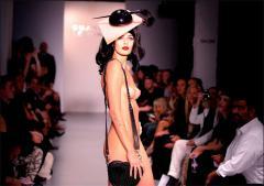 Naked model  - Charlie Le Mindu Fashion Show 07