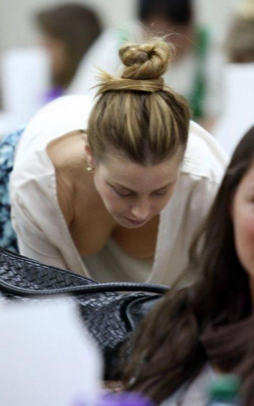 Whitney Port @ nail salon in Beverly Hills JAN-28-2011 03