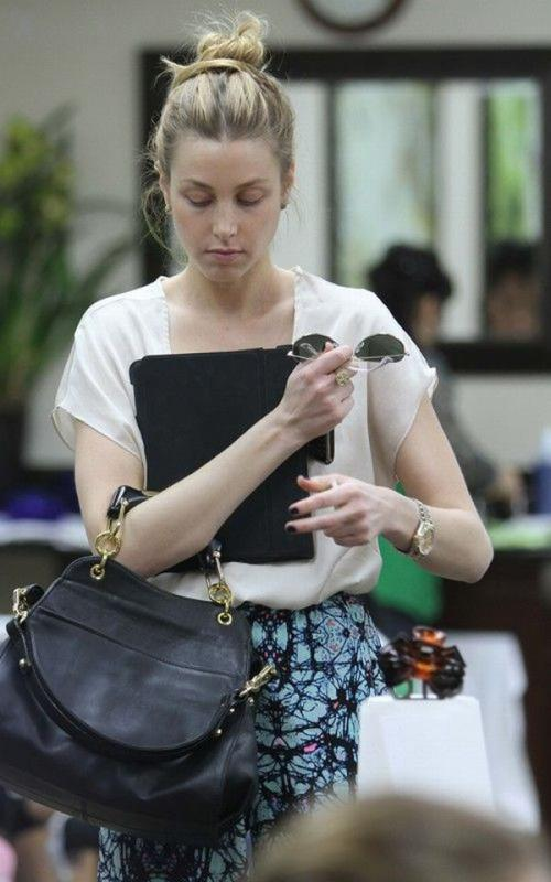 Whitney Port @ nail salon in Beverly Hills JAN-28-2011 01