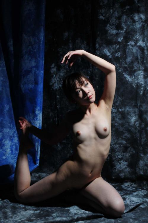 Su-Zizi Nudes 02