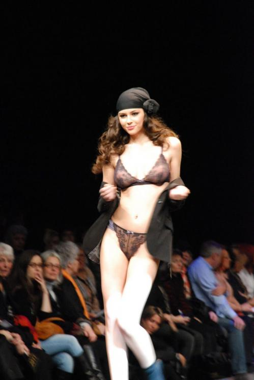 Madalina Pica - the 35 year of Lise Charmel Lingerie Fashion Show v02