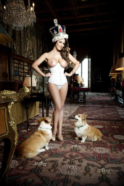 Lucy Pinder - Queen Lucy PS - Nuts Out-takes (19)