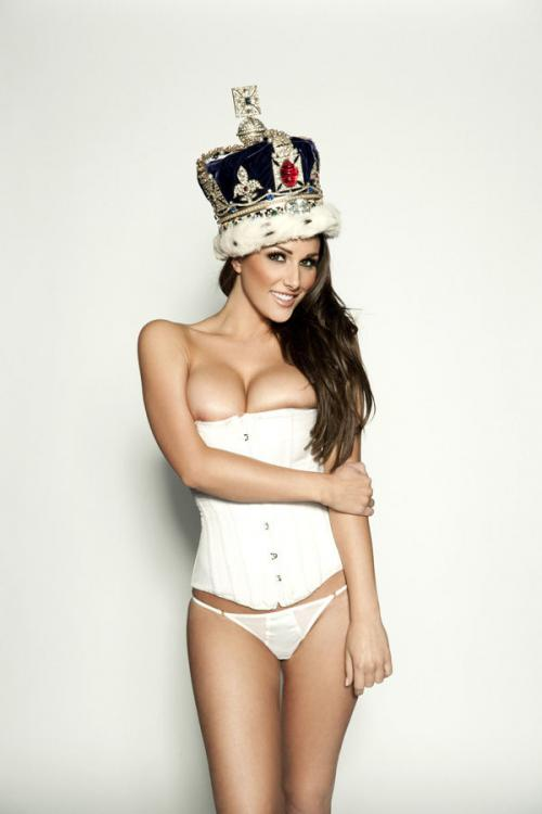 Lucy Pinder - Queen Lucy PS - Nuts Out-takes