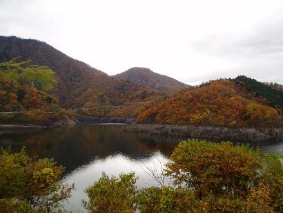 *秋の徳山湖は沈んだ頃を思い出されるんですね*