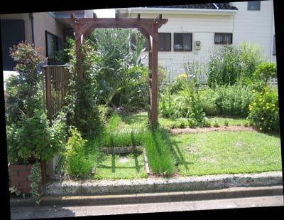 08 初夏ガーデン 001