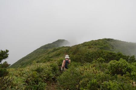 三倉山への稜線