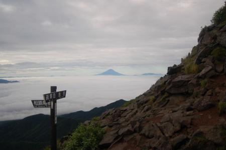 横岳への稜線5