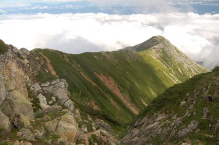 前常念岳への稜線