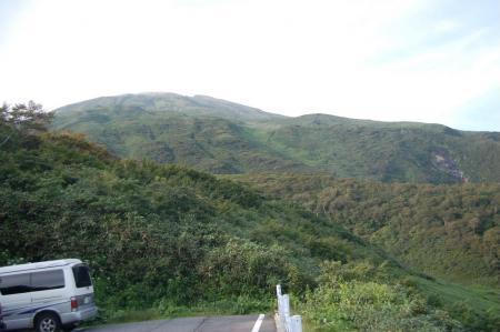 駐車場からの鳥海山