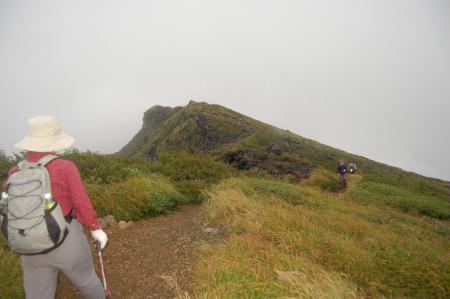 七高山への稜線
