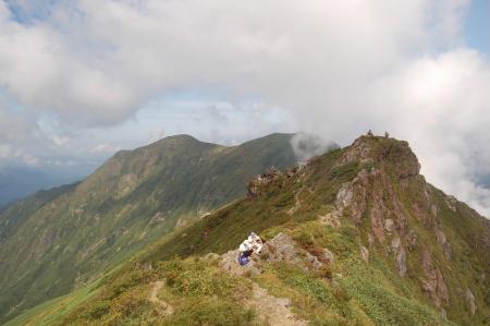 一の倉岳、茂倉岳