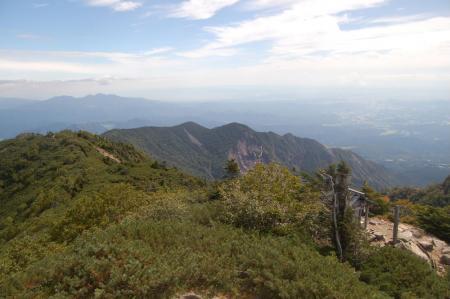 赤薙山への稜線