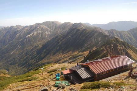 水晶小屋から野口五郎岳