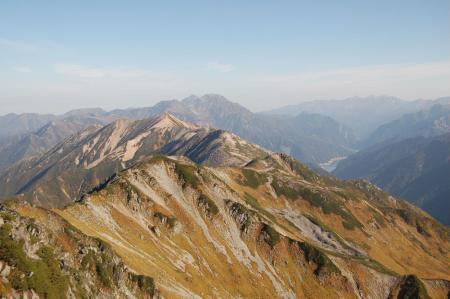 水晶岳山頂から赤牛岳