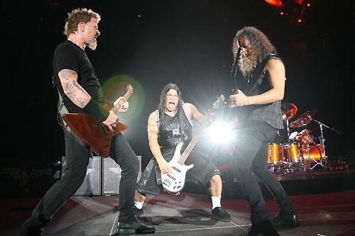 Metallica+l_a16d2ae278bd46ac82487e6f594c.jpg