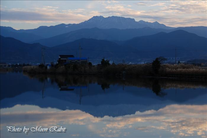 西条市の風景 乙女川・龍神社(竜宮さん)から見た石鎚山 愛媛県西条市禎瑞 2008年12月27日