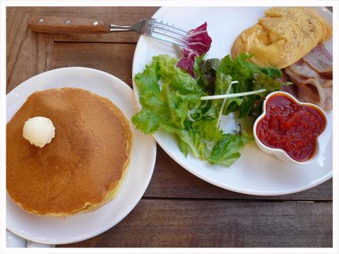 lunch091104002.jpg