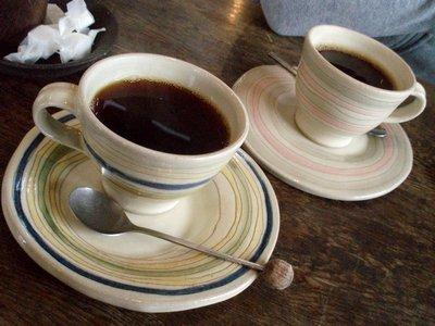 カップもみんな違ってたのしい@omo茶や。