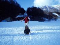4初めてのスキー場で雪遊びH210101