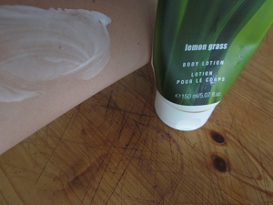 Body_Lotion_Lemongrass3.jpg
