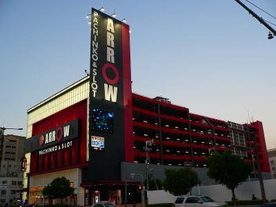写真キャプション=1次予選の総合得点で387点を取り、2位となった「ARROW浪速店」(1200台、大阪市浪速区)
