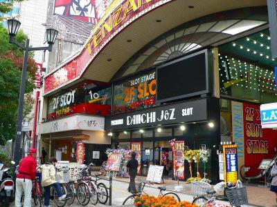 写真キャプション=369点で10位となった「DAIICHI J&Z 上六店」(255台、大阪市天王寺区)