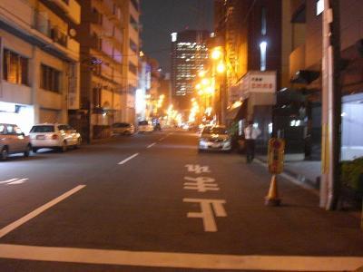 とんかつカレーで馴染みの大阪難波元町のある通り