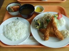 白身魚とエビフライのランチ