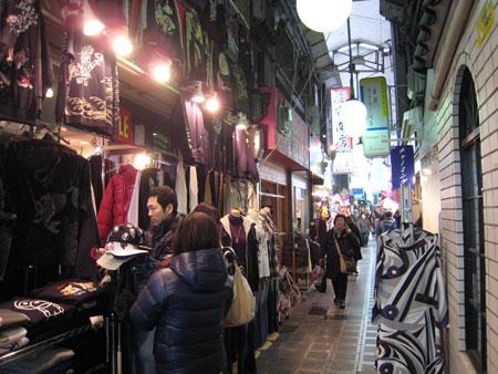 鶴橋商店街衣料品