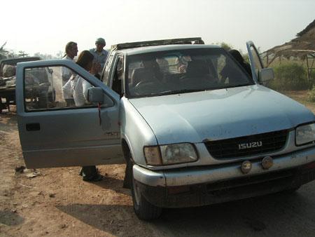 カンボジアへの車