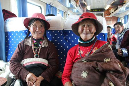 チベットの女性たち