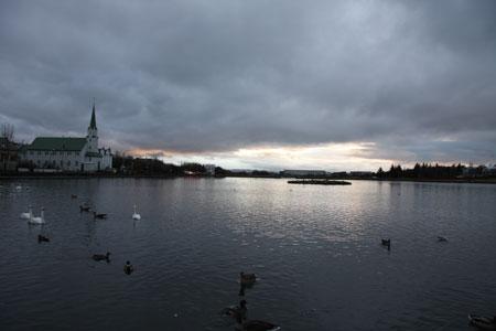 チョルトレニン湖