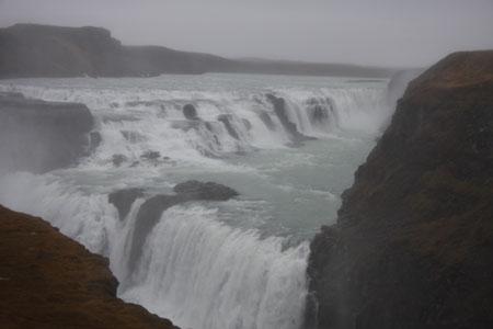 グルフォスの滝