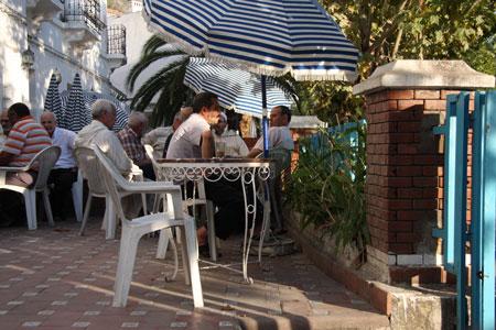 イスラムの男性ご用達のカフェ