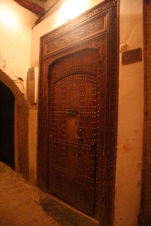 Riad Tzarraのドア